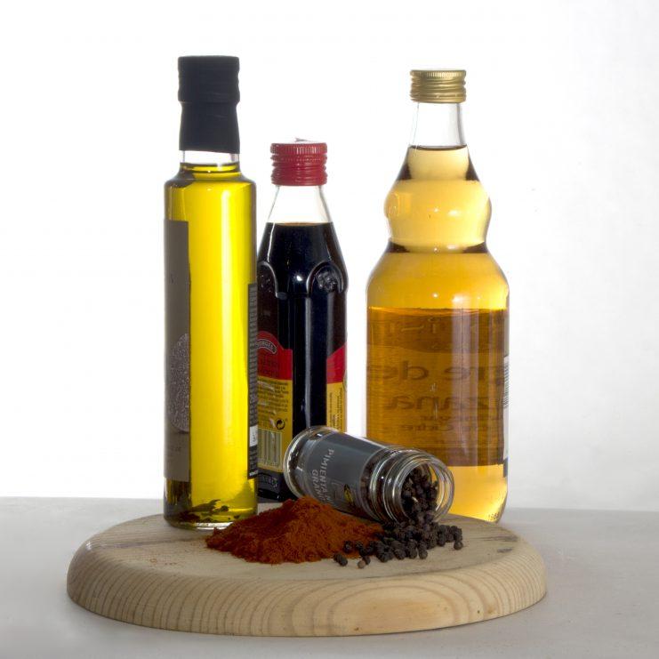 Aceite, vinagres y condimentos